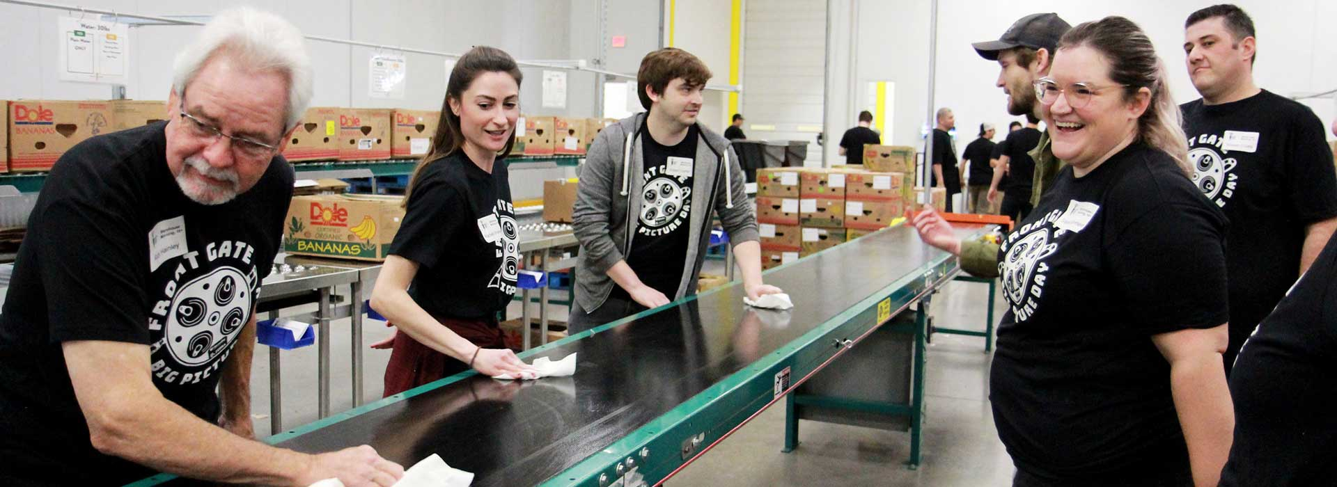 barcoding_cleaning_belt_at_food_bank