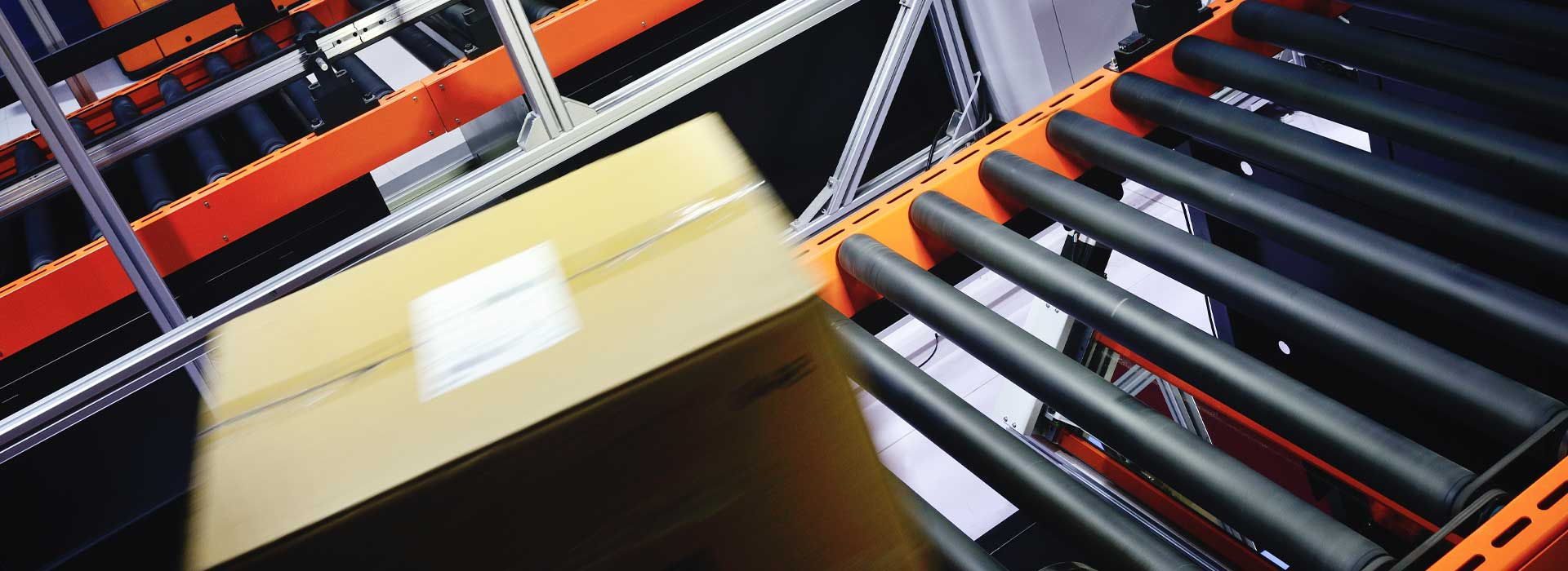 box_on_rollers_with_automated_scanner
