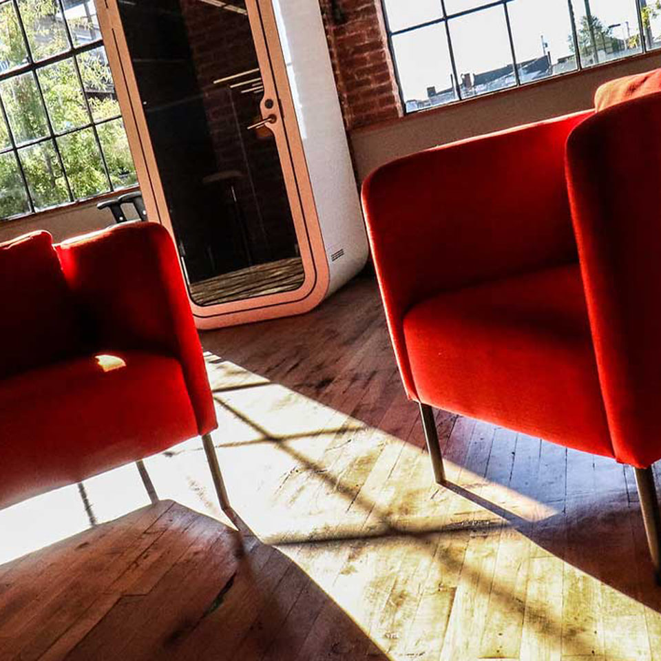bacoding_chairs_in_headquarters-square