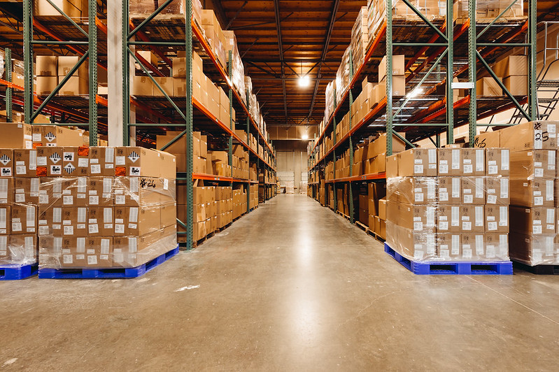 Pallets_in_warehouse_with_barcodes